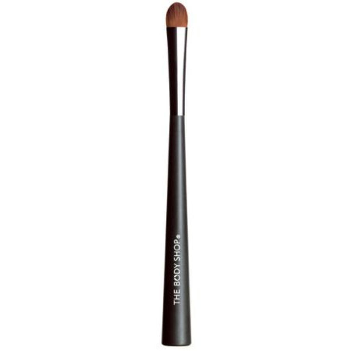 The-Body-Shop-eyeshadow-brush