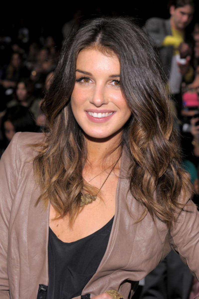 What is the Best Way To Colour Asian Hair at Home ... Shenae Grimes Hair