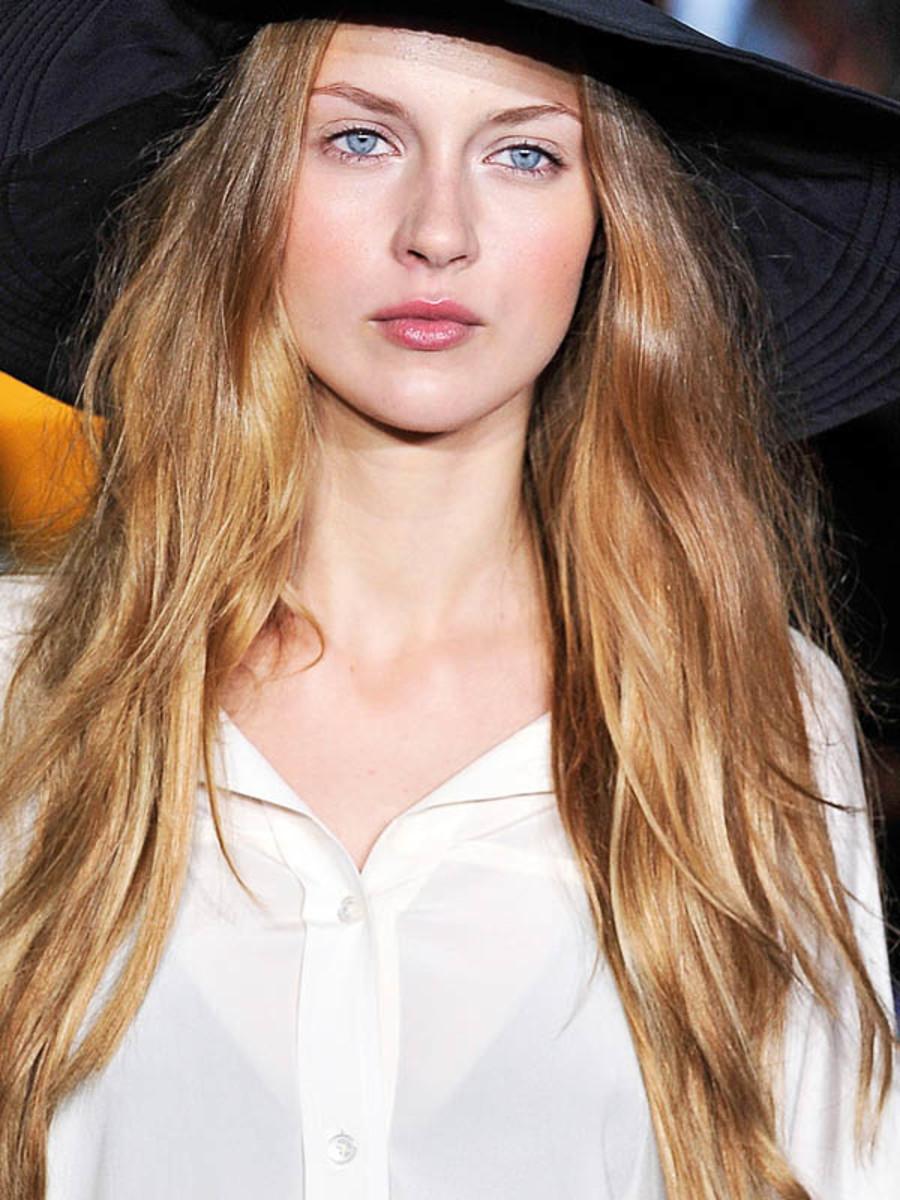 DKNY-Spring-2012-beauty-5