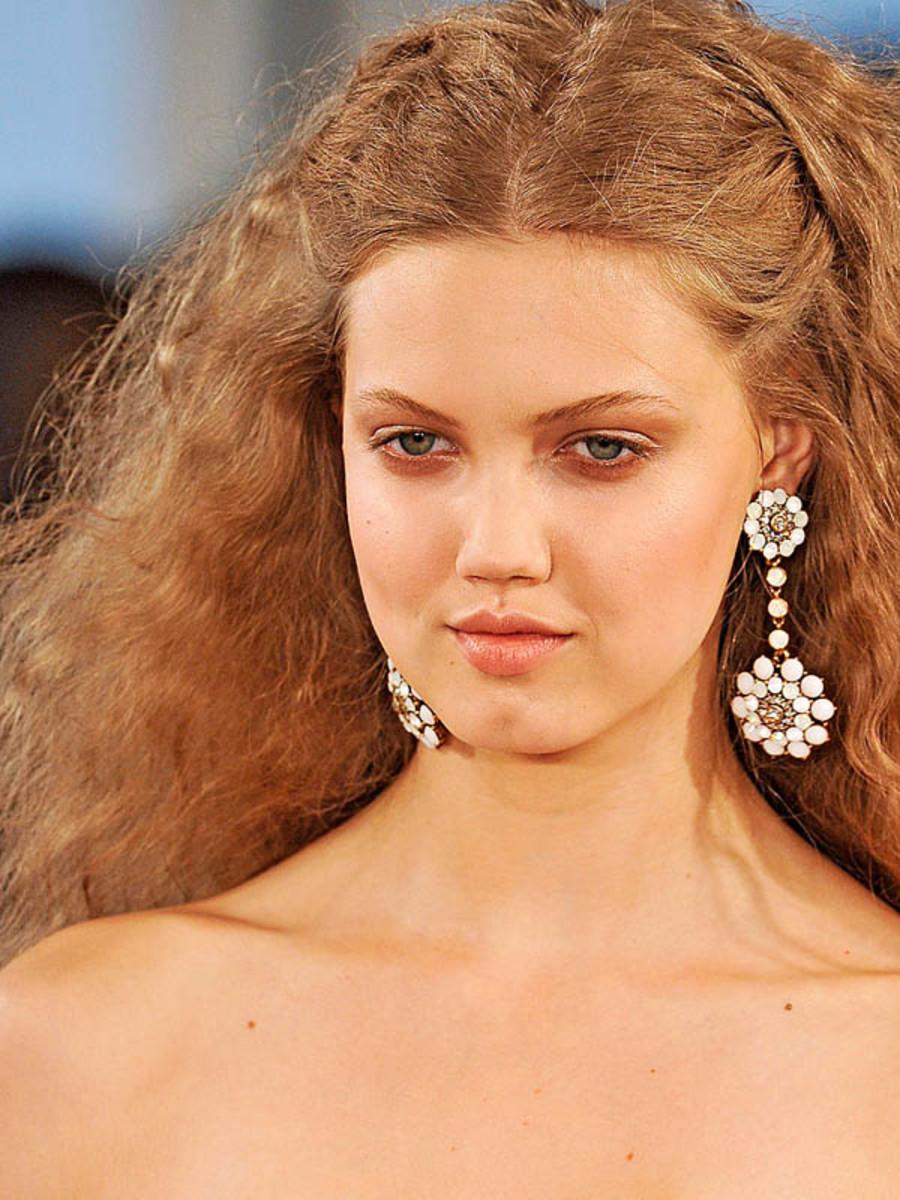 Oscar-de-la-Renta-Spring-2012-beauty-2