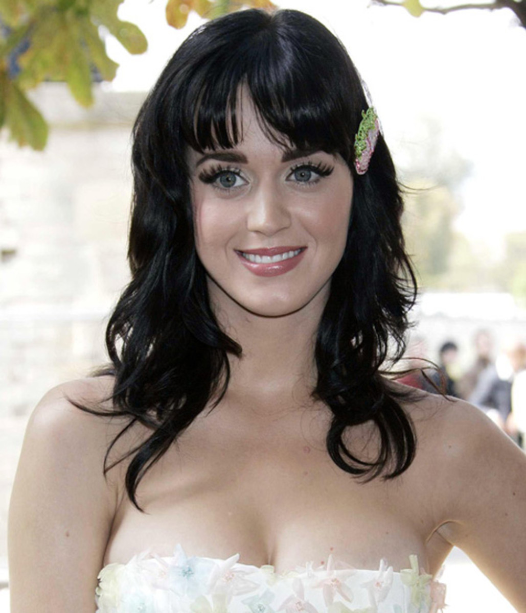 Katy-Perry-I-Kissed-a-Girl