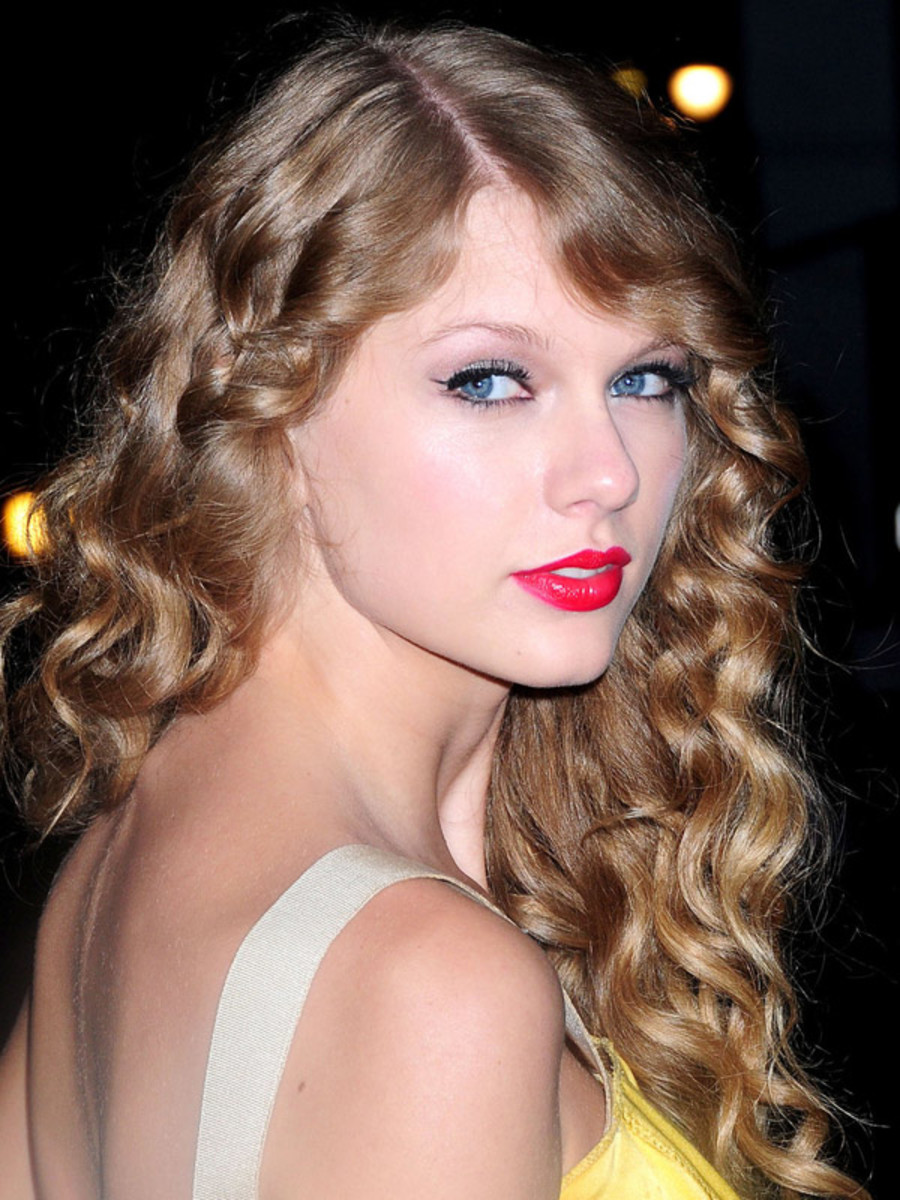 10 Celebrity Inspired Hair And Makeup Ideas For Halloween
