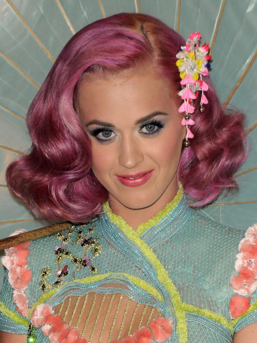 Katy-Perry-MTV-Music-Video-Awards-2011
