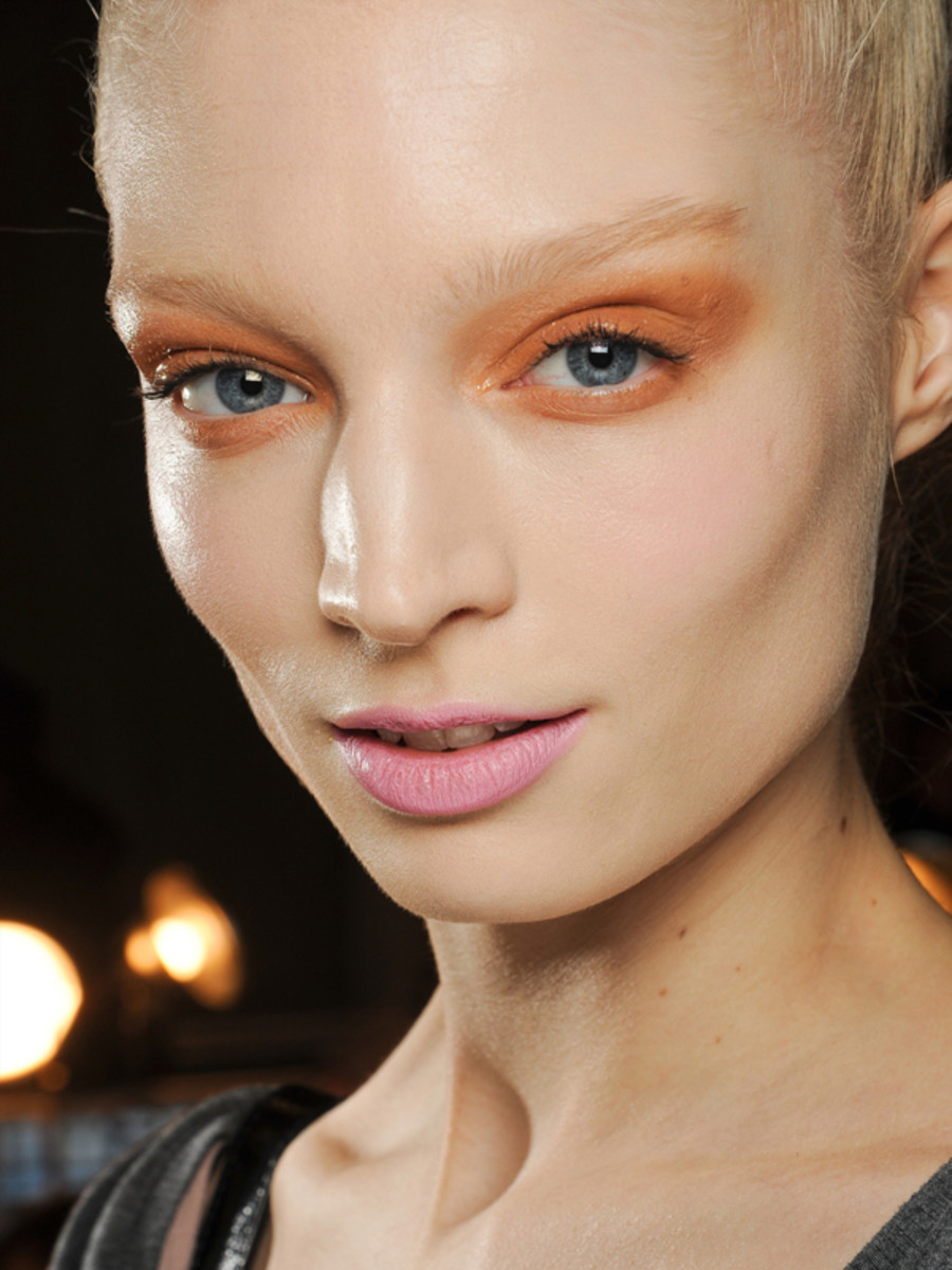 Donna-Karan-Fall-2011-makeup