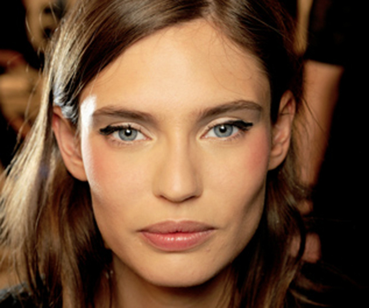 Chanel-SS11-Couture-makeup-3