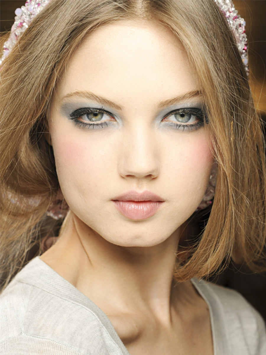 Chanel - Fall 2012 Couture makeup