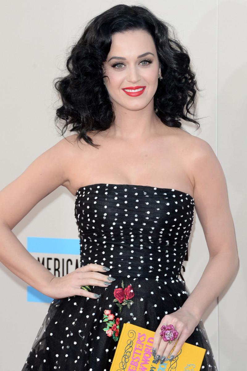 Katy Perry polka dot nails (2)