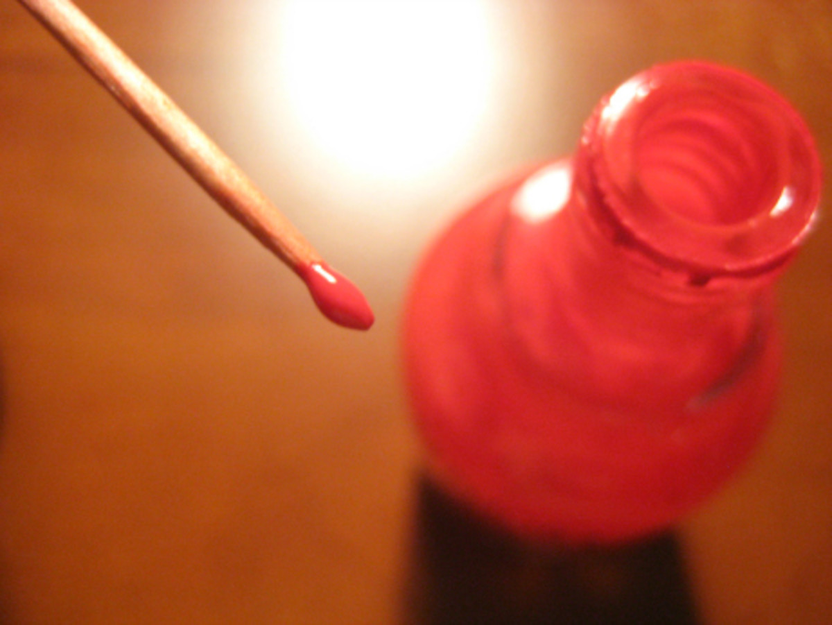 Prabal Gurung-inspired blood drop manicure - Step 1