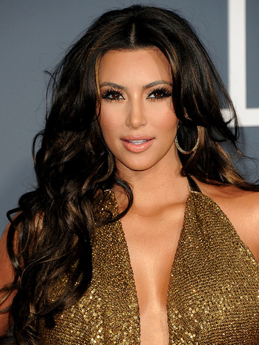 Kim-Kardashian-2011-Grammy-Awards