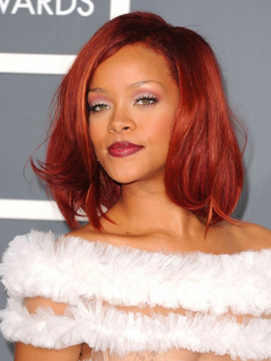 Rihanna-2011-Grammy-Awards