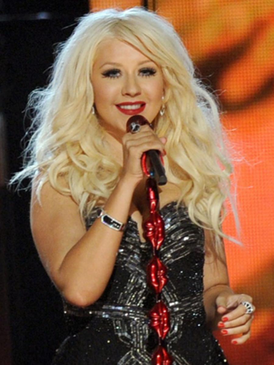 Christina-Aguilera-2011-Grammy-Awards