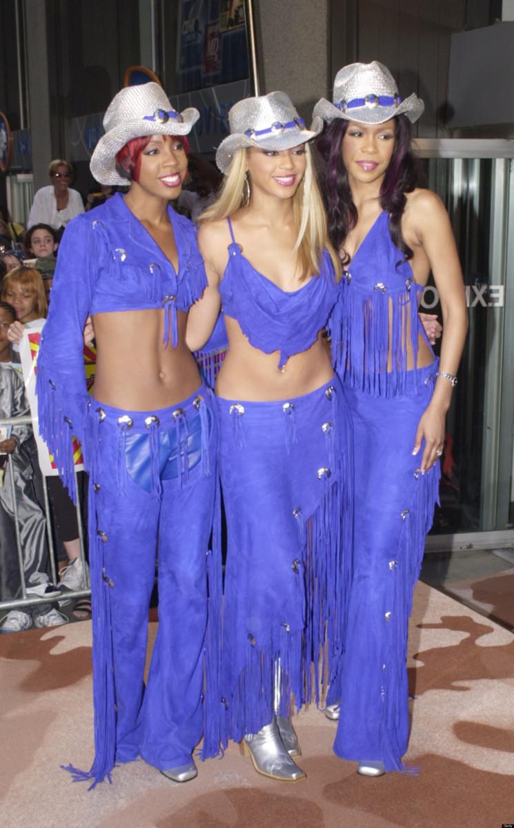 Beyonce Knowles, MTV TRL, 2001