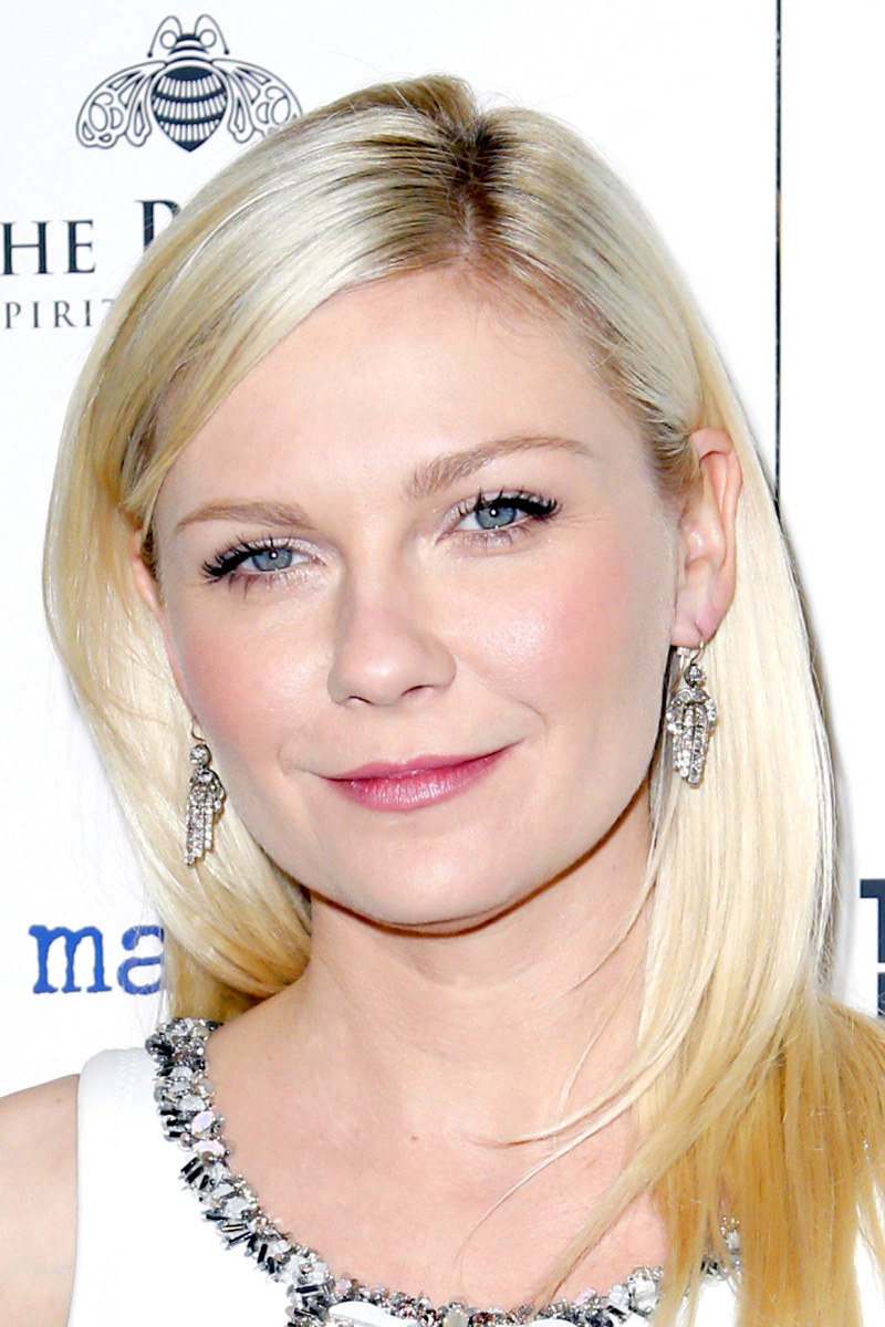 Kirsten Dunst Has The Perfect Rosy Makeup Look For Pale