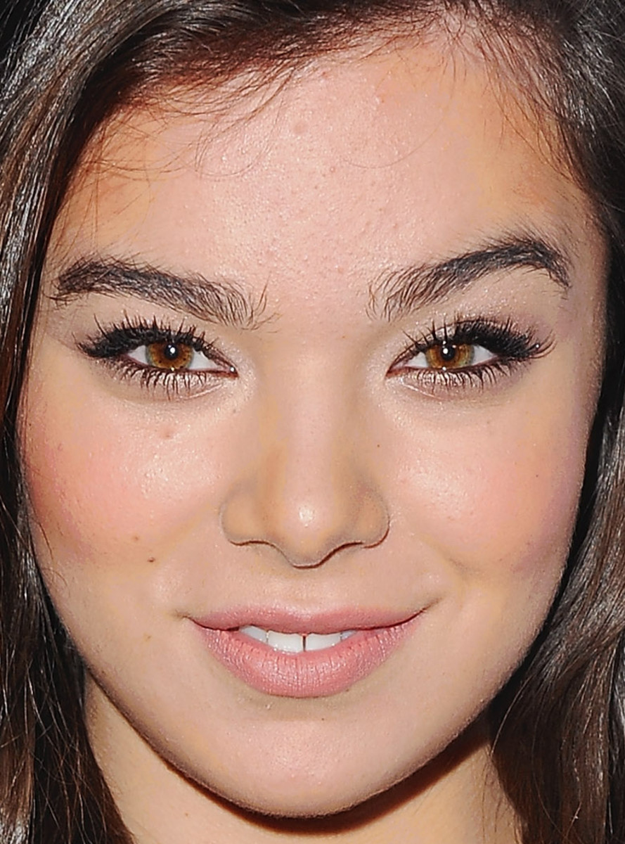Hailee Steinfeld, Teen Vogue Young Hollywood party, 2014 (close-up)