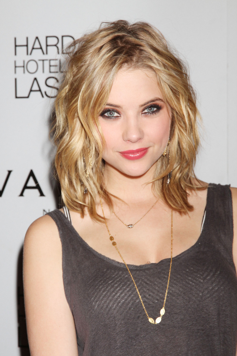 Ashley Benson, Vanity Nightclub, 2011