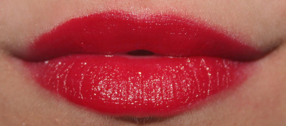 Maybelline Color Sensational Vivids On Fire Red