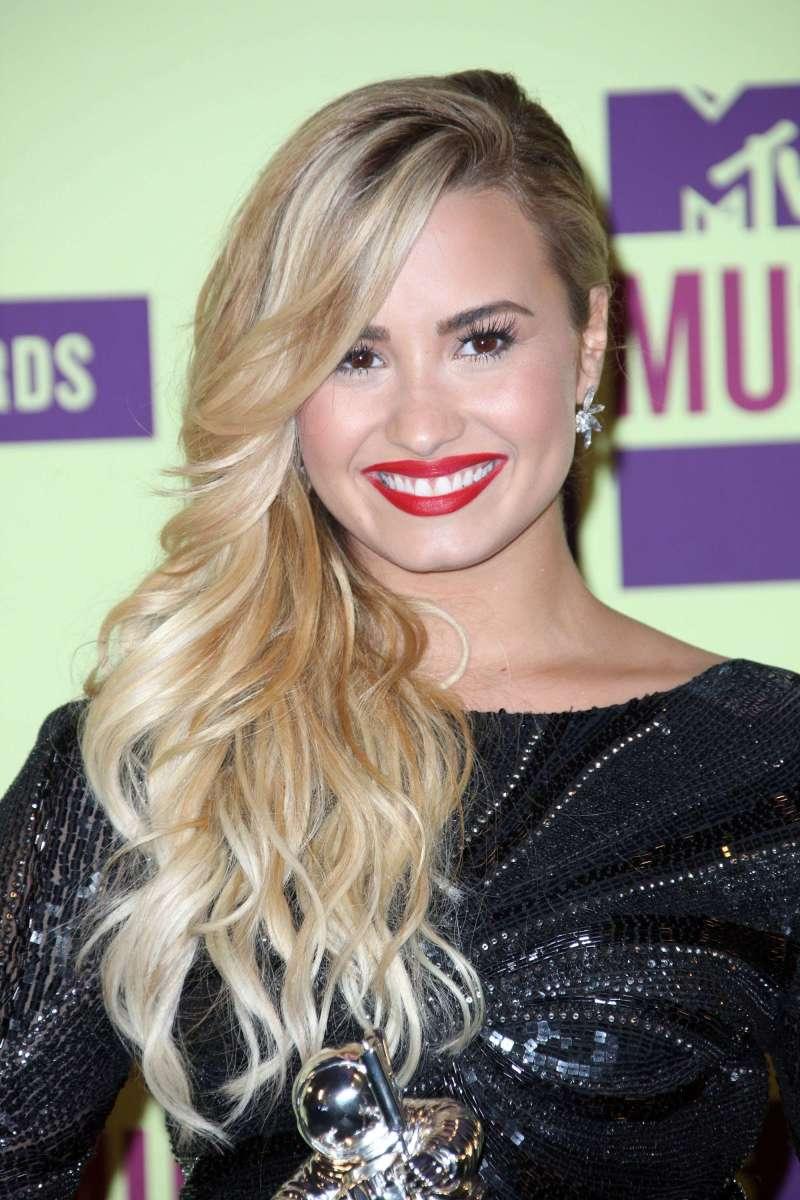 Demi Lovato, MTV Video Music Awards, 2012