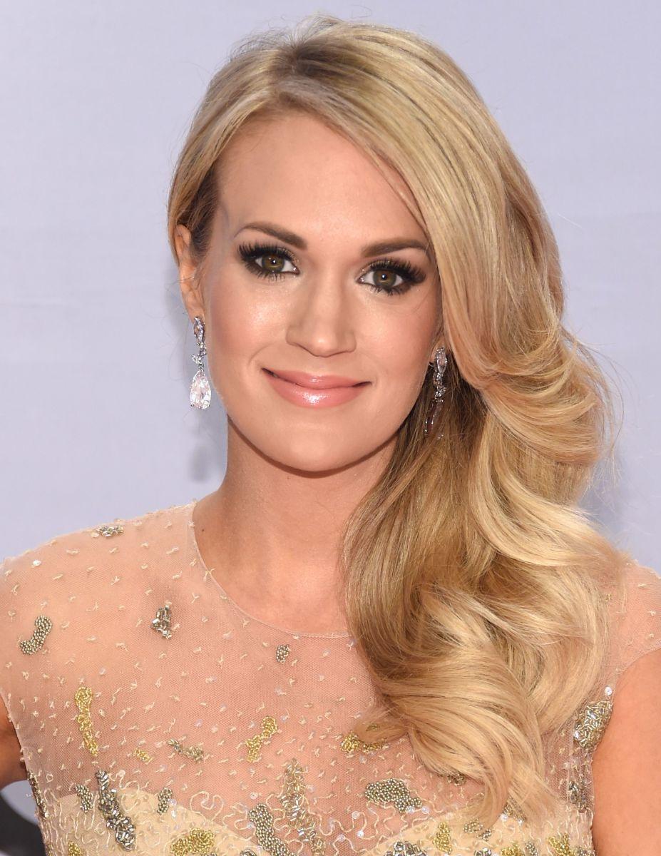 Carrie Underwood, CMA Awards 2014