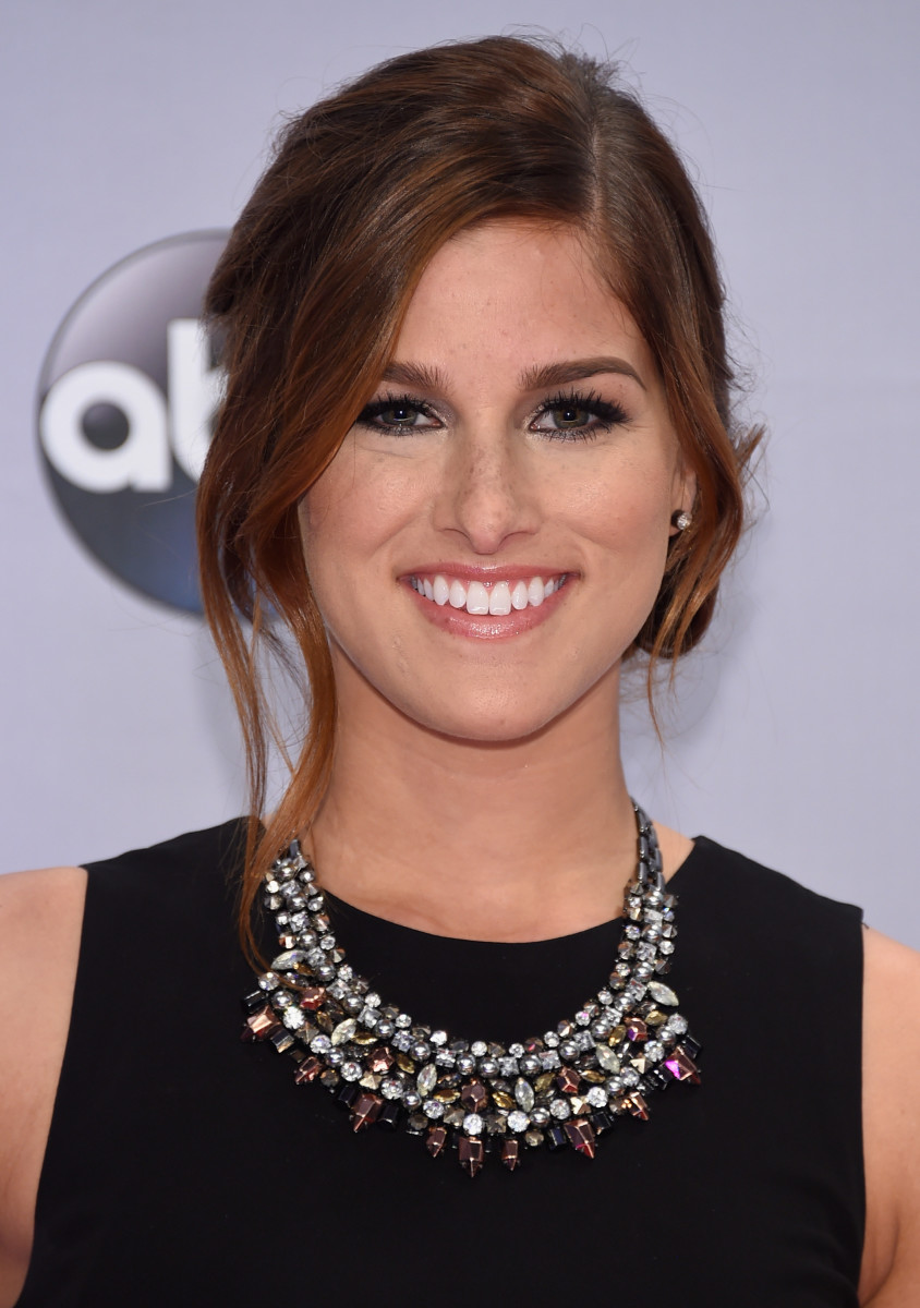 Cassadee Pope, CMA Awards 2014