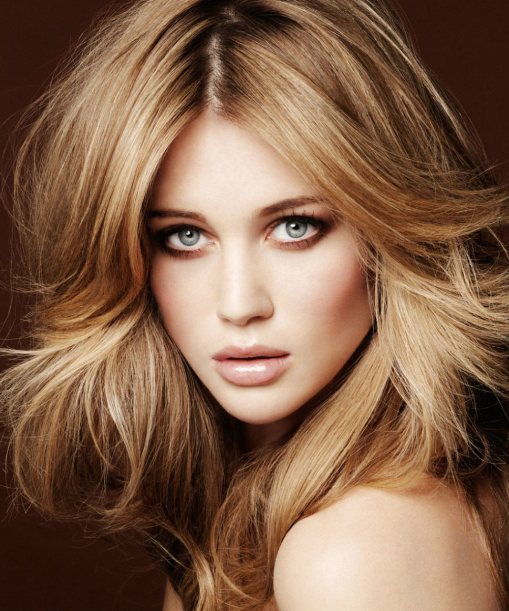 Beige blonde hair colour
