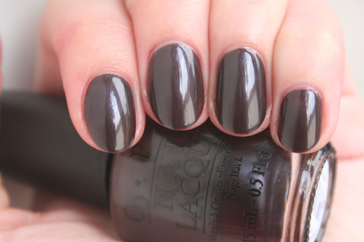 OPI Holiday 2014 - Love is Hot and Coal