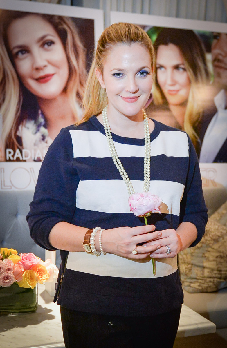 Drew barrymore on the launch of flower beauty in canada beautyeditor drew barrymore flower beauty canada launch izmirmasajfo Images