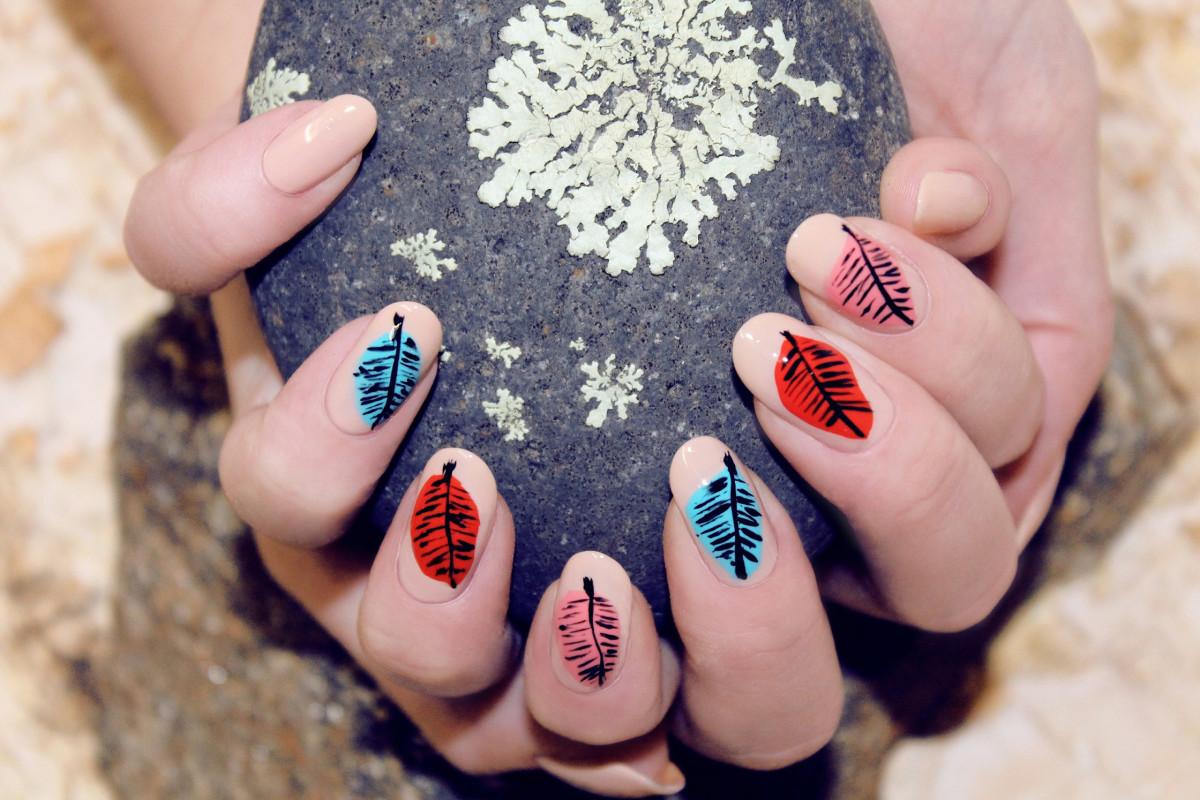 Leaf nail art