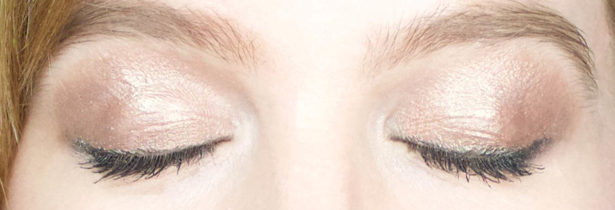 Marc Jacobs Twinkle Pop Eye Sticks (on eyes)