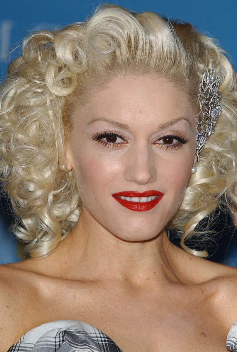Gwen Stefani, Billboard Music Awards 2004