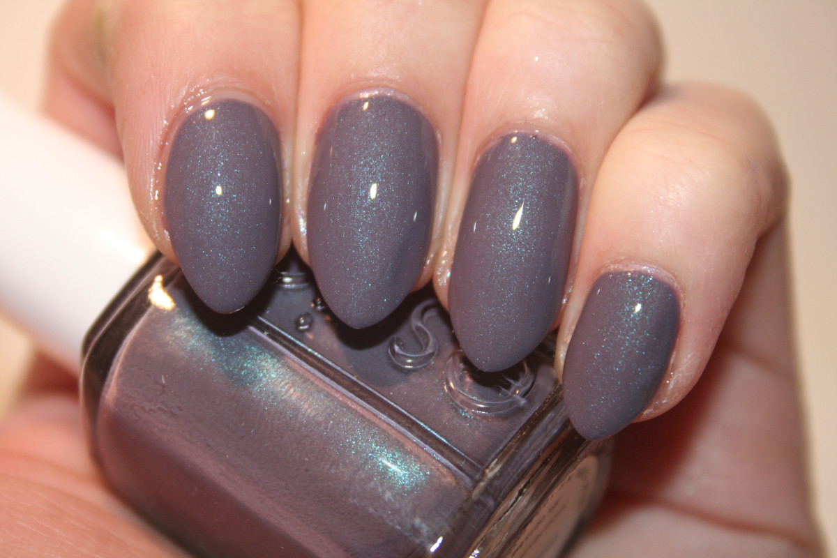 Essie Coat Couture (shiny)