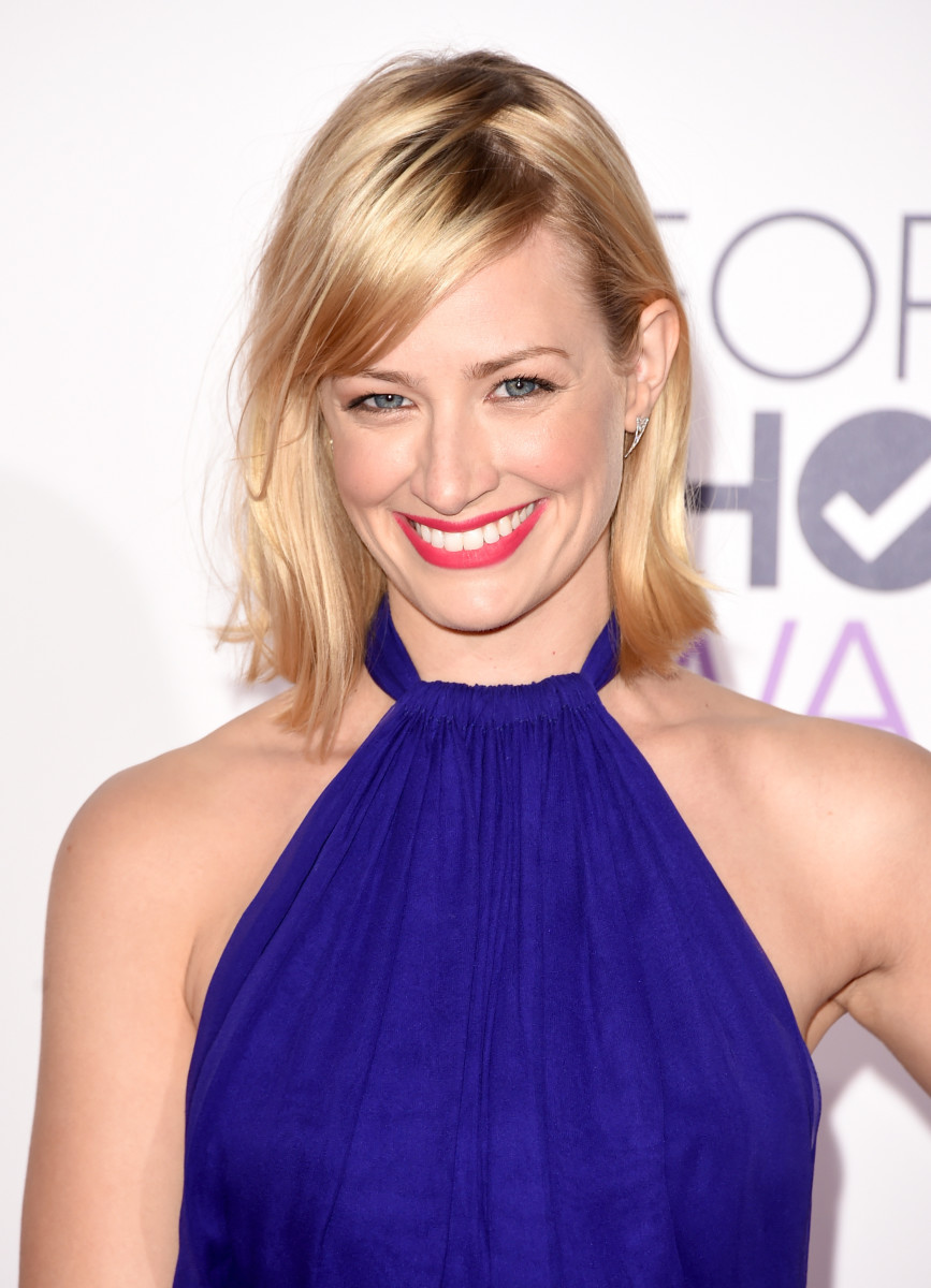 Beth Behrs, People's Choice Awards 2015