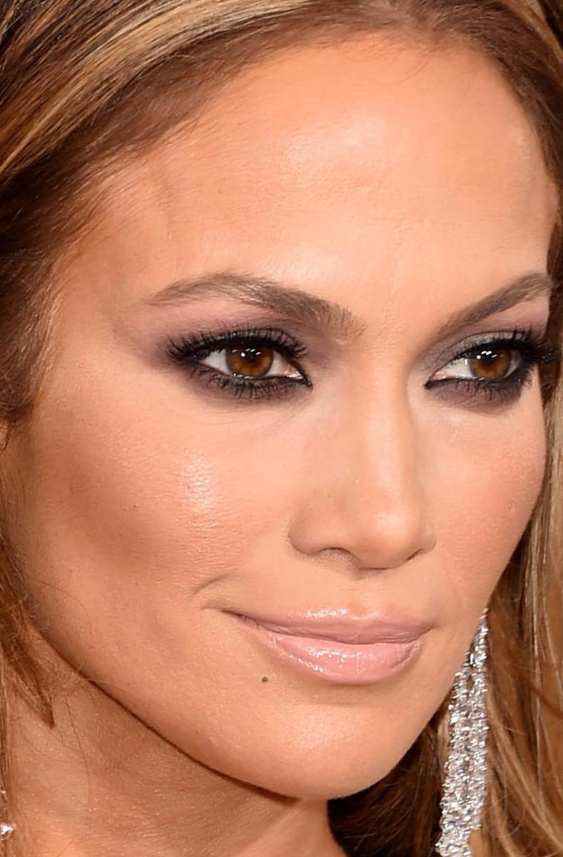 What Lipstick Does Jennifer Lopez Wear