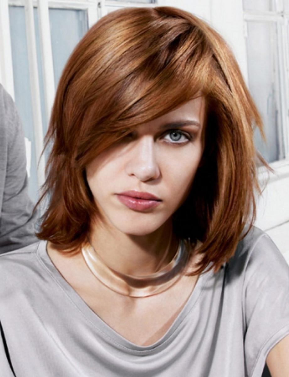 Medium wavy hairstyle