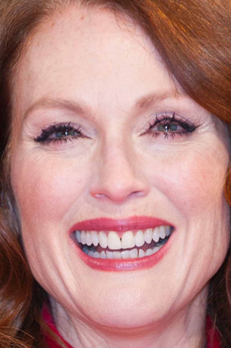 the best beauty at the bafta awards beautyeditor julianne moore bafta awards 2015