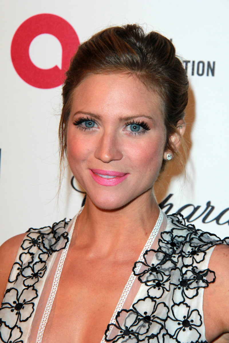 Brittany Snow, Elton John AIDS Foundation Academy Awards viewing party, 2015