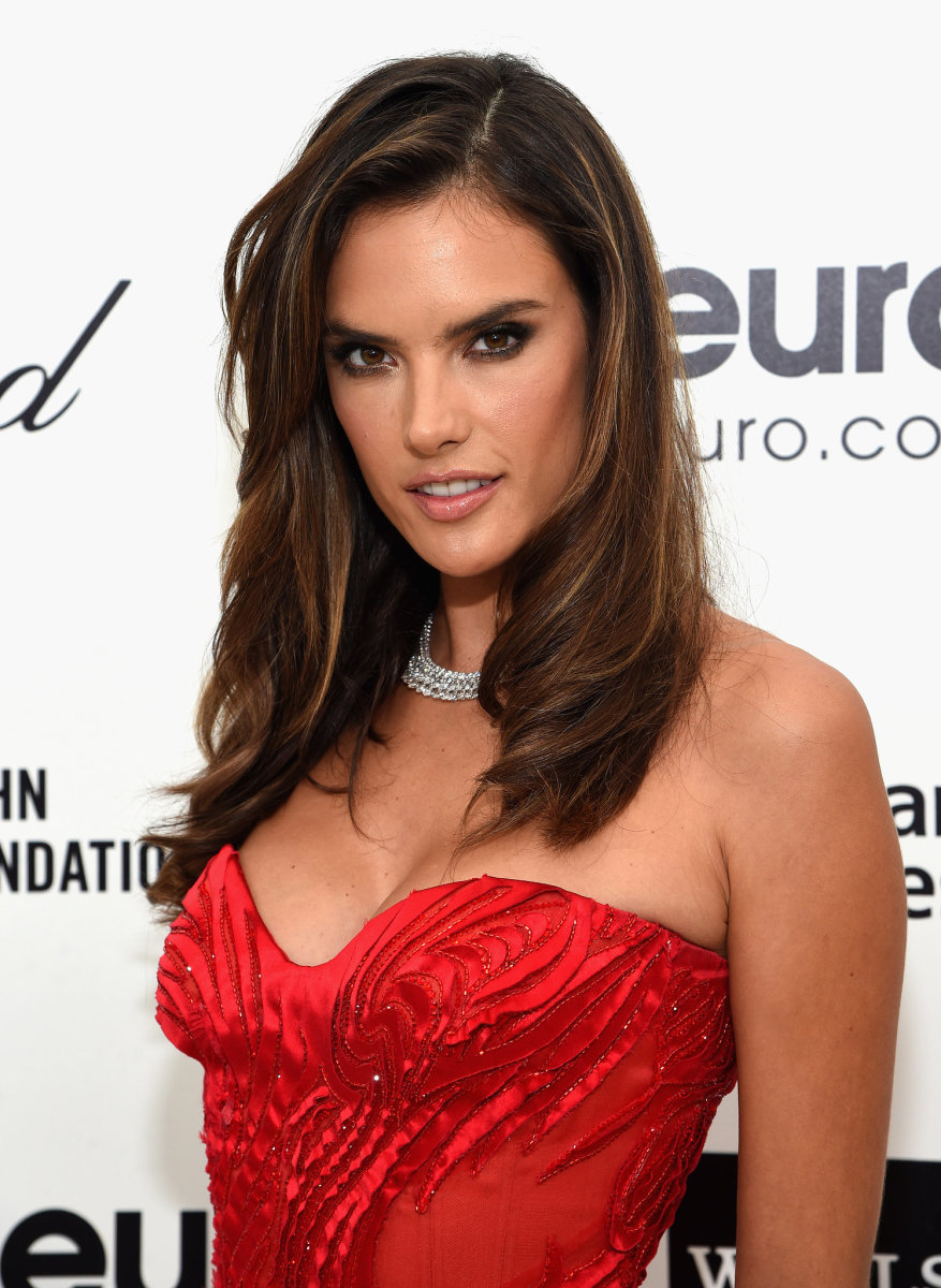 Alessandra Ambrosio, Elton John AIDS Foundation Academy Awards viewing party, 2015