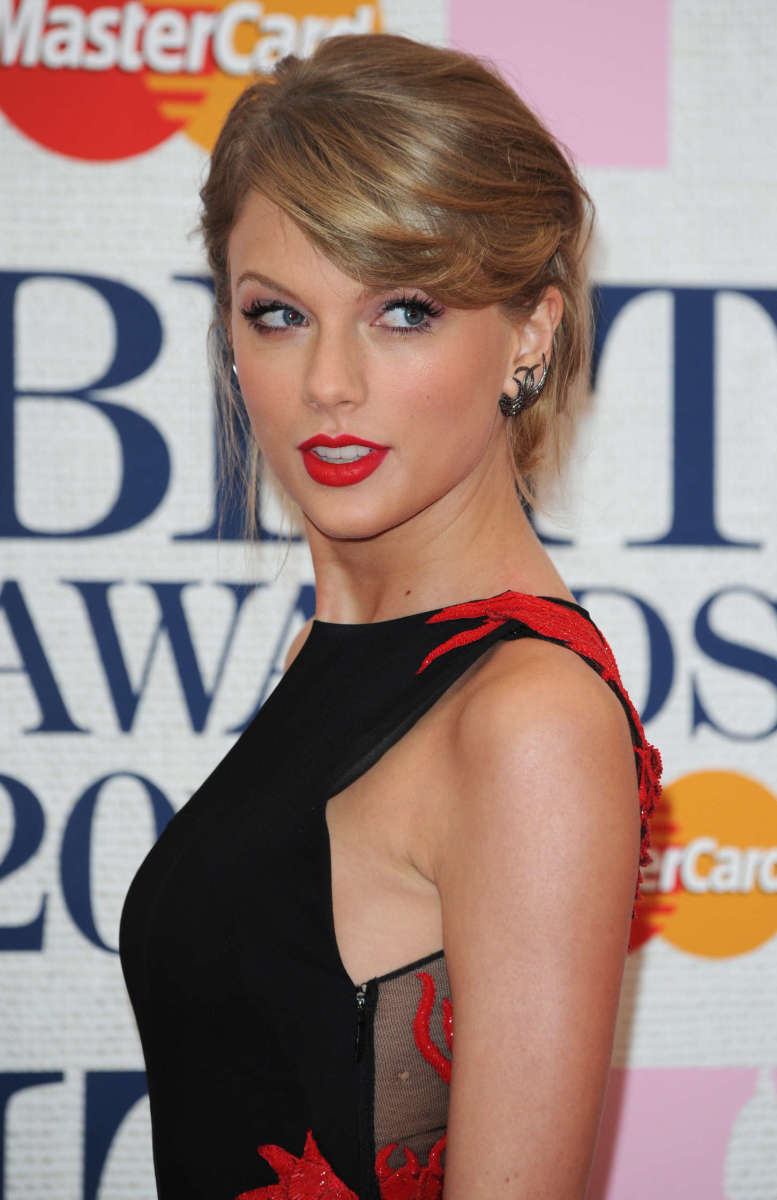 Taylor Swift, BRIT Awards 2015