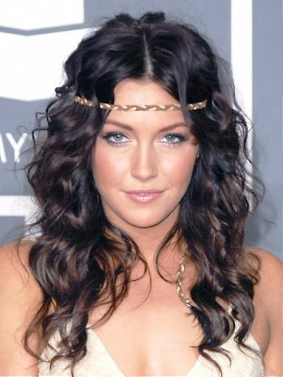 Katie Cassidy long curly hair