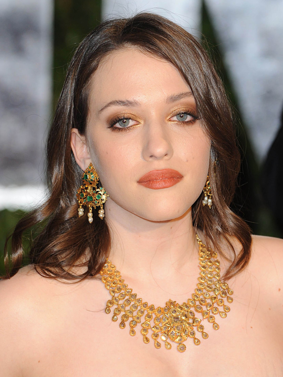 Kat Dennings, Vanity Fair Oscar party, 2010