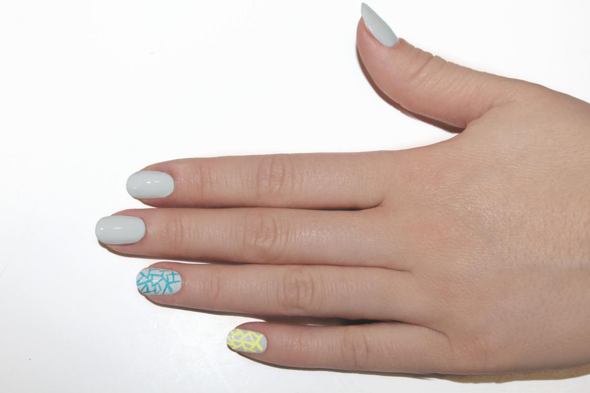 Eggshell nail art step 4