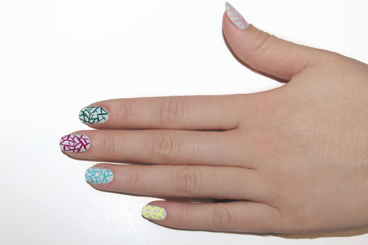 Eggshell nail art step 7