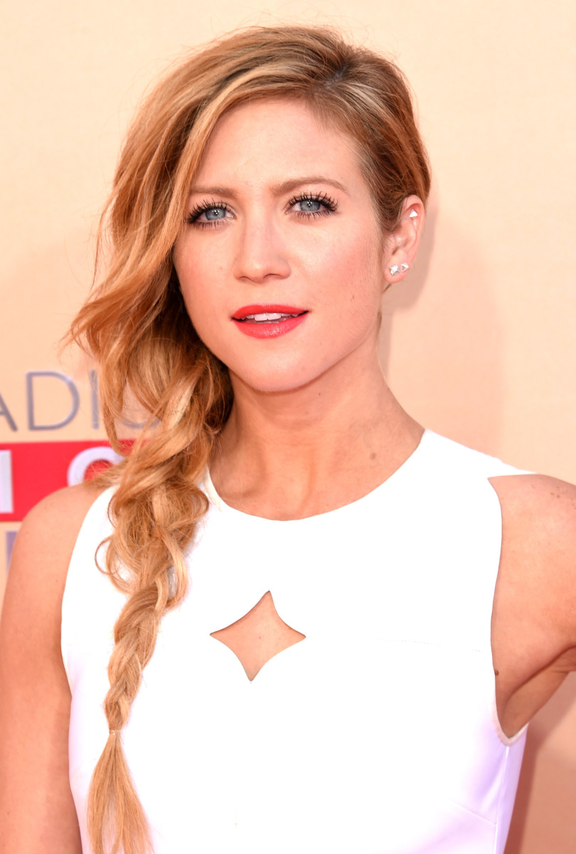 Brittany Snow, iHeartRadio Music Awards 2015