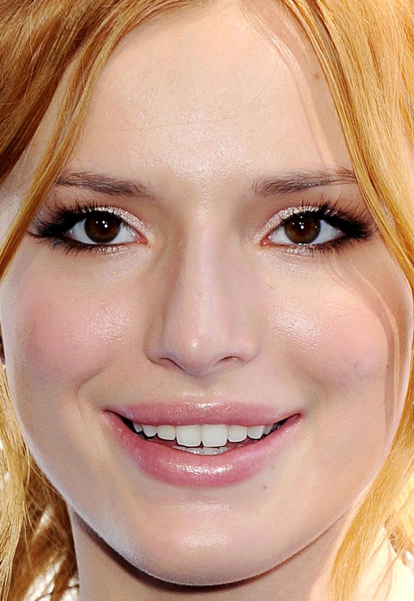 Bella Thorne, MTV Movie Awards 2015