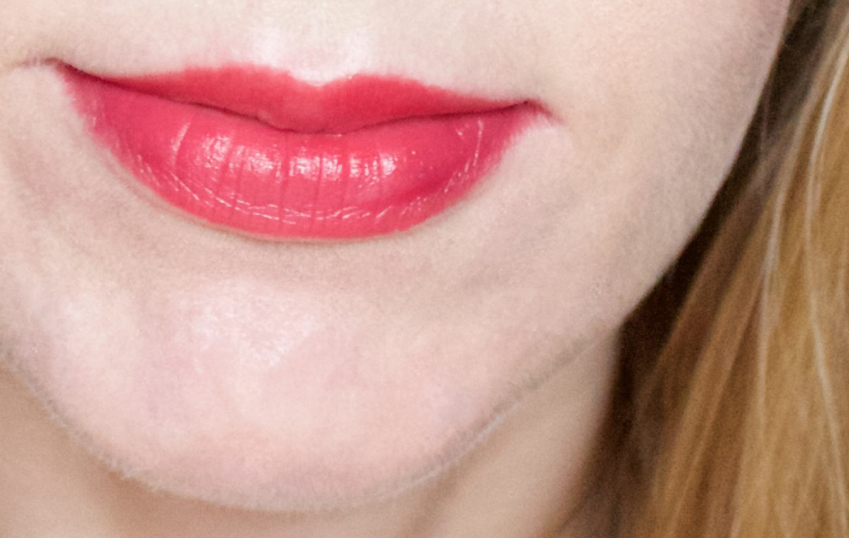 The Body Shop Lip and Cheek Velvet Stick in 40 Red