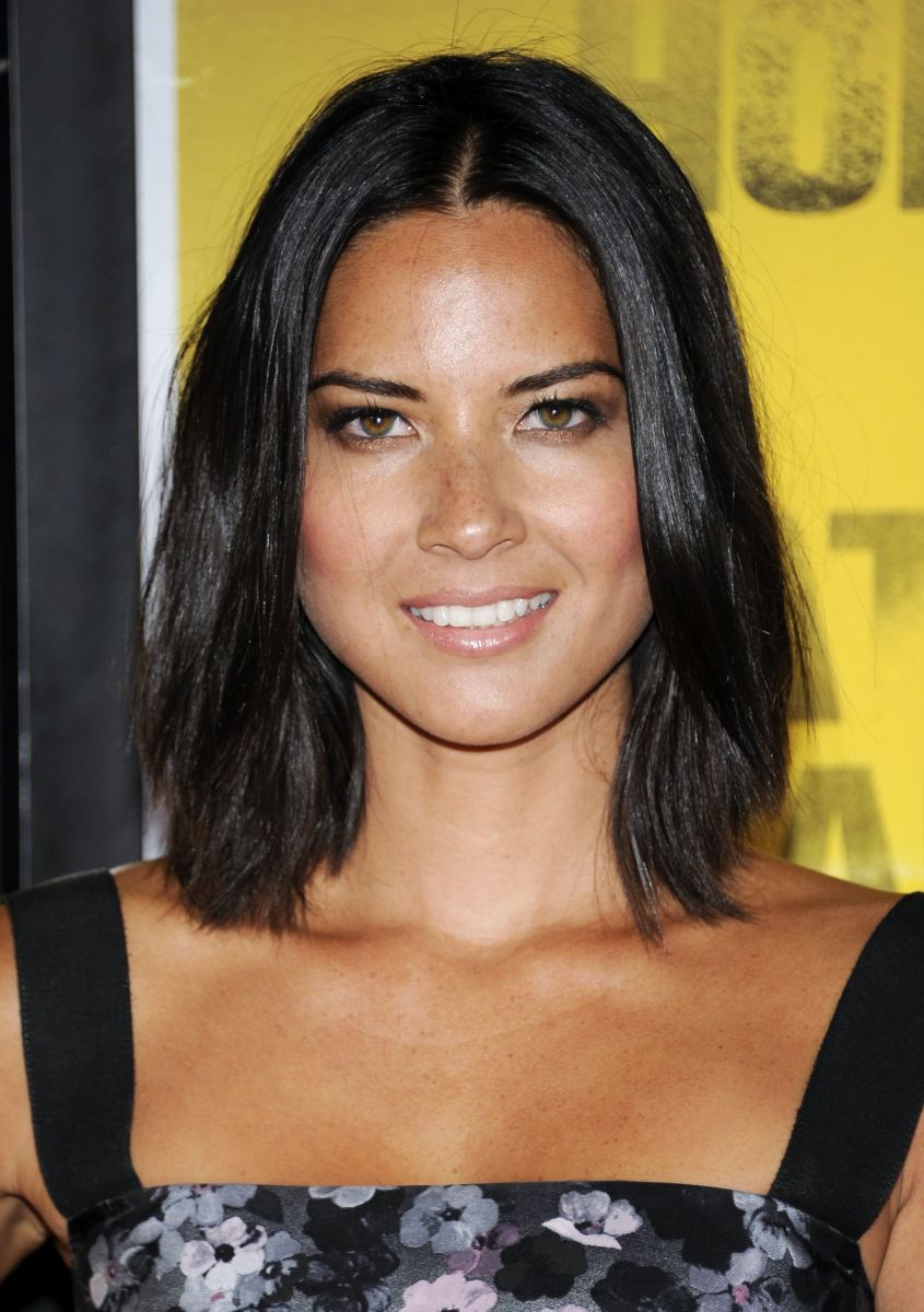 15 of the Best Hairstyles for Medium-Length Straight Hair - Beautyeditor