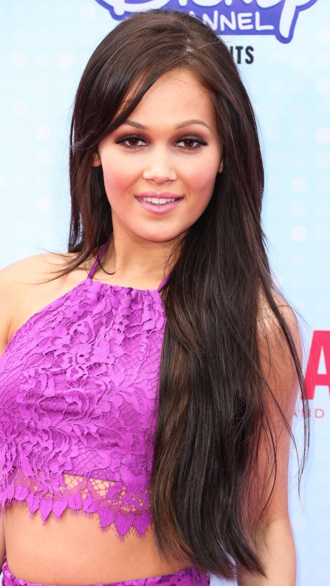 Kelli Berglund, Radio Disney Music Awards 2015