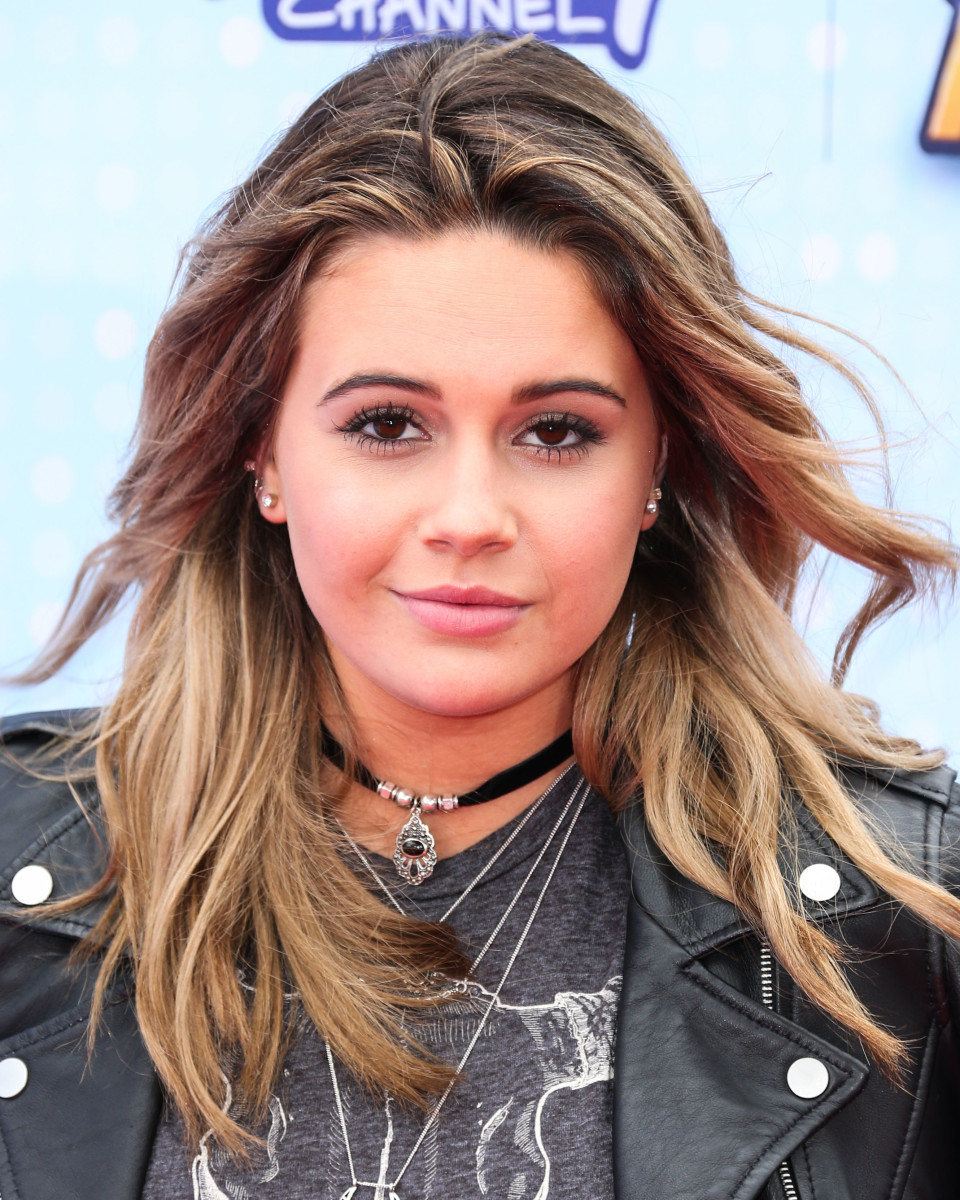 Beatrice Miller, Radio Disney Music Awards 2015