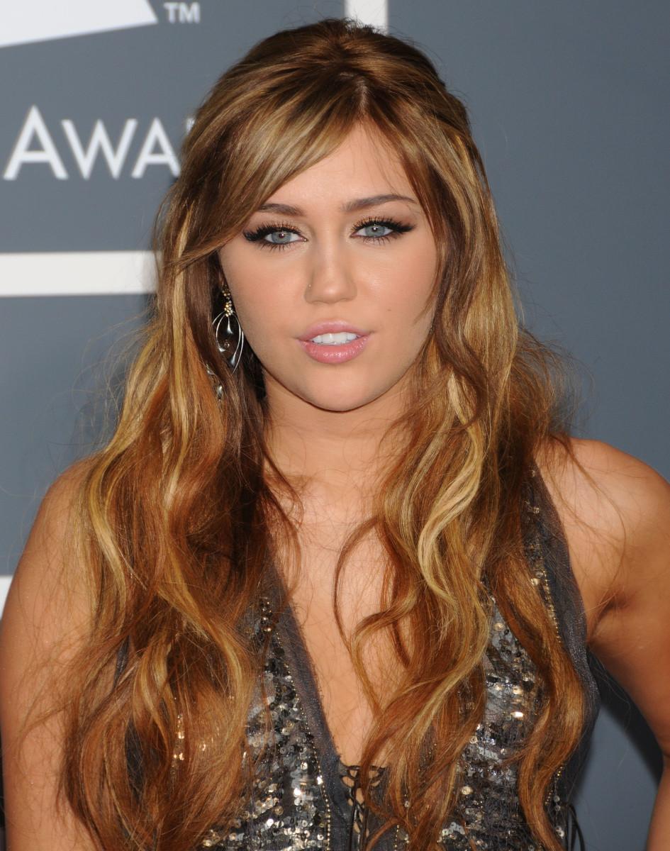 Miley Cyrus, Grammy Awards 2011