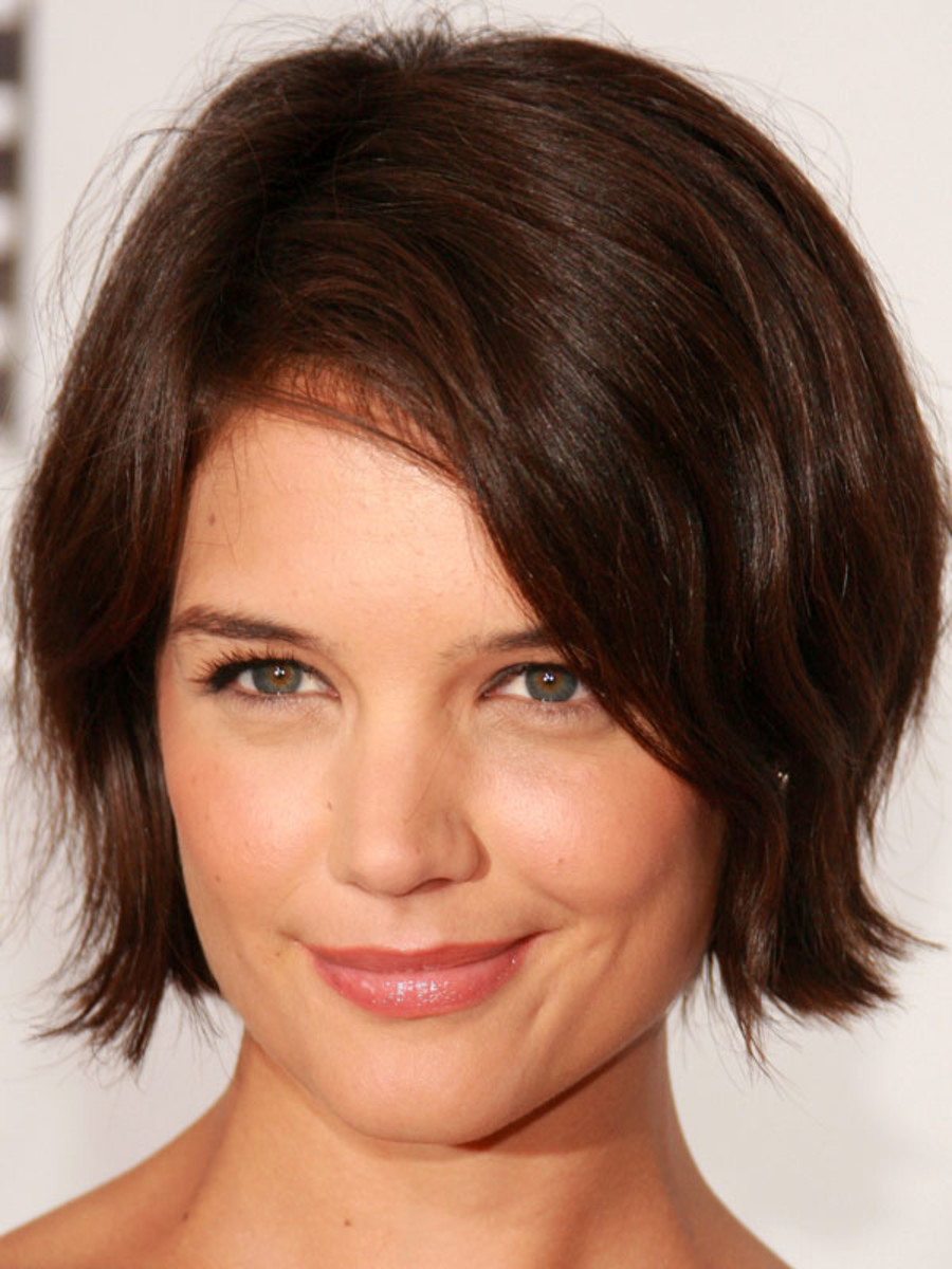Katie Holmes square face bangs