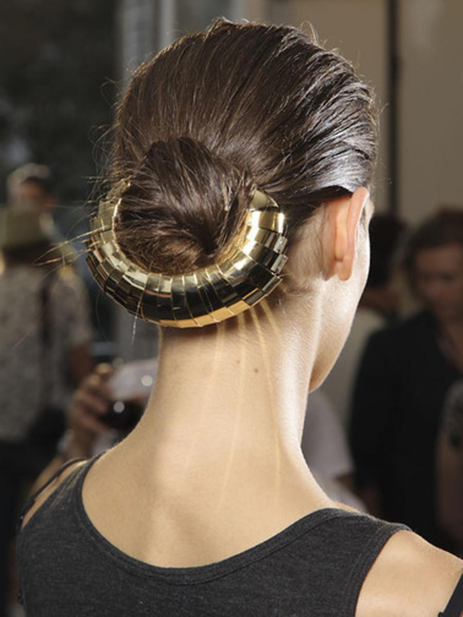 Yves-Saint-Laurent-Spring-2012-beauty-4